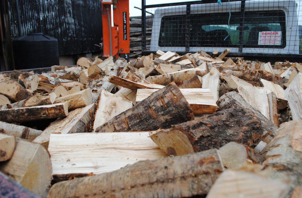 clover-logs-truck-load